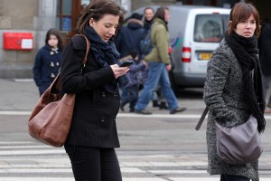 A new study of pedestrians in Seattle found that approximately 1/3rd of pedestrians are distracted while walking.  Most of them are distracted by texting, talking on their cell phone or listening to music.